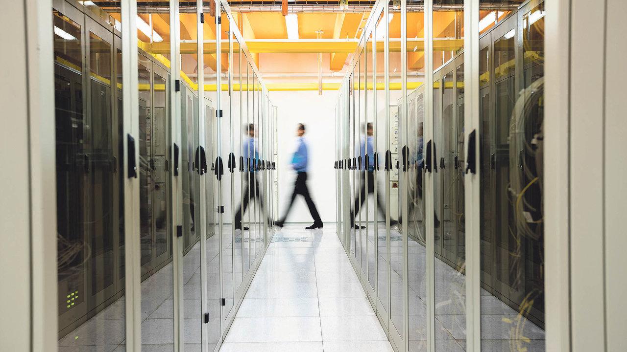Datová centra kvetou ve stínu cloud computingu