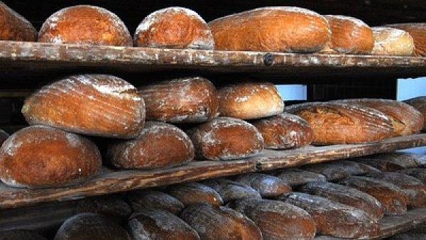 Chleba ze supermarketu: kdy� vydr�� t�i dny v po�ivateln�m stavu, je to dobr� v�sledek.