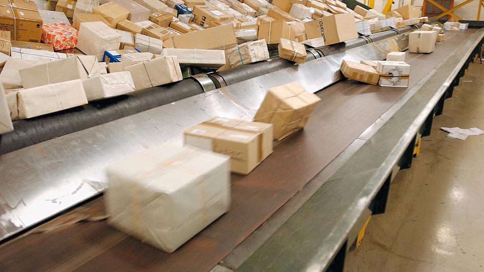 Místo z USA objednávají nyní Češi víc zboží na Slovensku a v Německu.