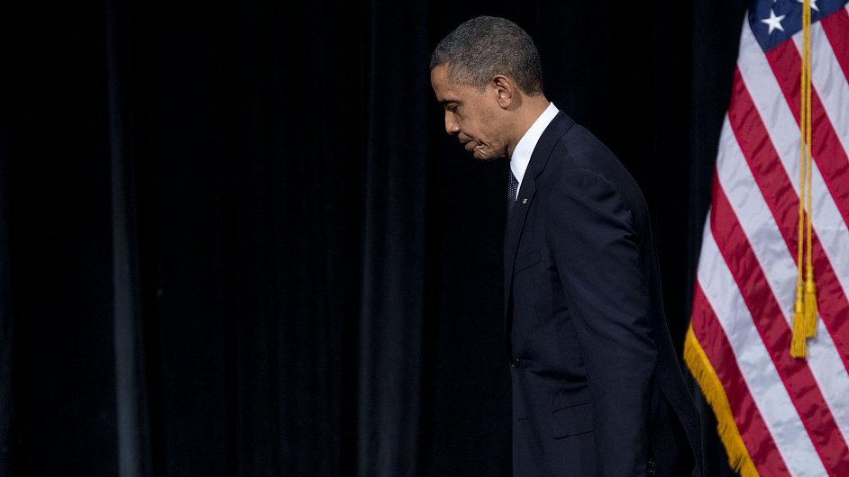 Americký prezident Barack Obama po proslovu v Newtownu