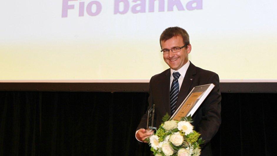Člen dozorčí rady Fio banky Ján Franek na snímku z loňska při přebírání ceny