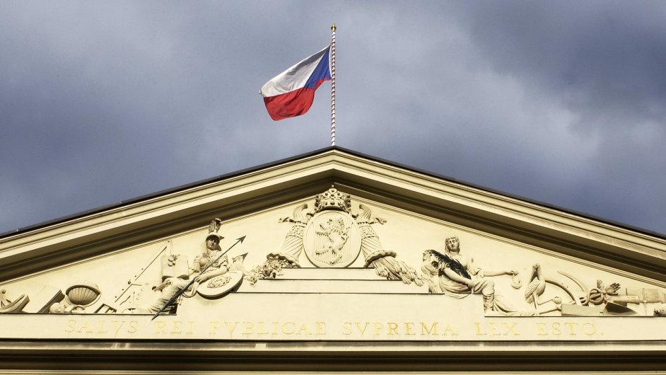 Vlajka České republiky, ilustrační foto.