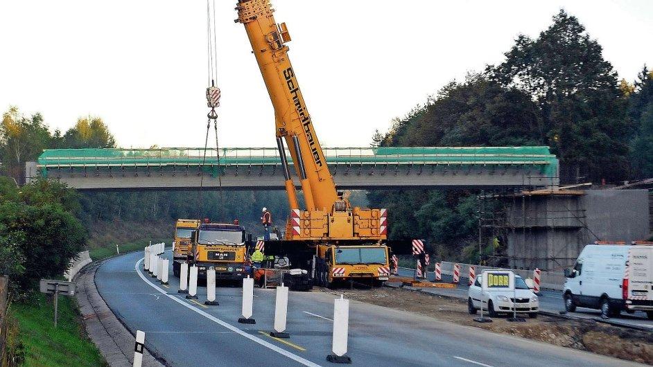 Stavba dálnice, ilustrační foto