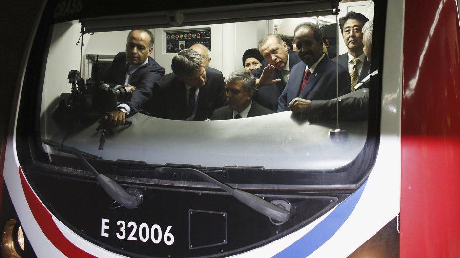 Slavnostní otevření podmořského tunelu mezi Asií a Evropou