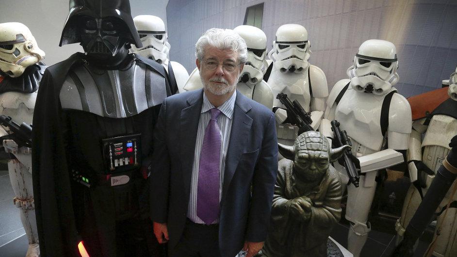 George Lucas, autor původních Star Wars, pomáhá při vzniku Epizody VII jako konzulant.