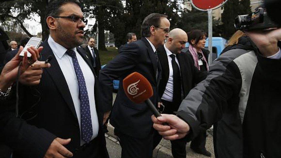 Hadí al-Bahra (vlevo) při mírových rozhovorech v Ženevě