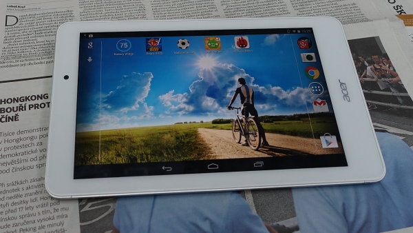 Acer Iconia Tab 8 l�k� na hlin�kov� t�lo, jasn� Full HD displej a cenu 5490 korun