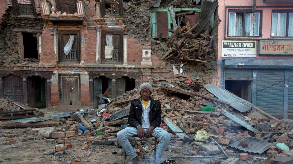 Nepál žádá svět o pomoc.