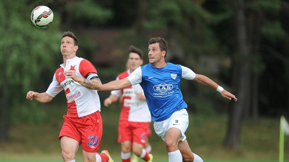 Červenobílá bída: proti druholigovému Táborsku odehrála Slavia přípravné utkání. Hlavní boj se ale vede u soudu a klub může spadnout do insolvence.
