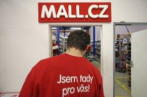 Hackeři mohli odcizit hesla ke stovkám tisícům účtů Mall.cz - Ilustrační foto.