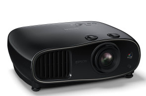 Epson EH-TW6600 prom�n� ob�v�k v kino se skv�l�m obrazem