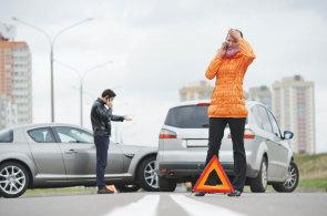 Jak vybrat černou skříňku do auta? Je užitečné připlatit si za GPS