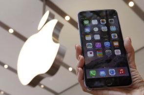 iPhone můžete jednoduše zničit. Stačí zadat datum, ze kterého se iOS nevzpamatuje