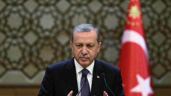 Turecko přerušilo spolupráci s NATO, zřejmě kvůli sporu s Evropou.
