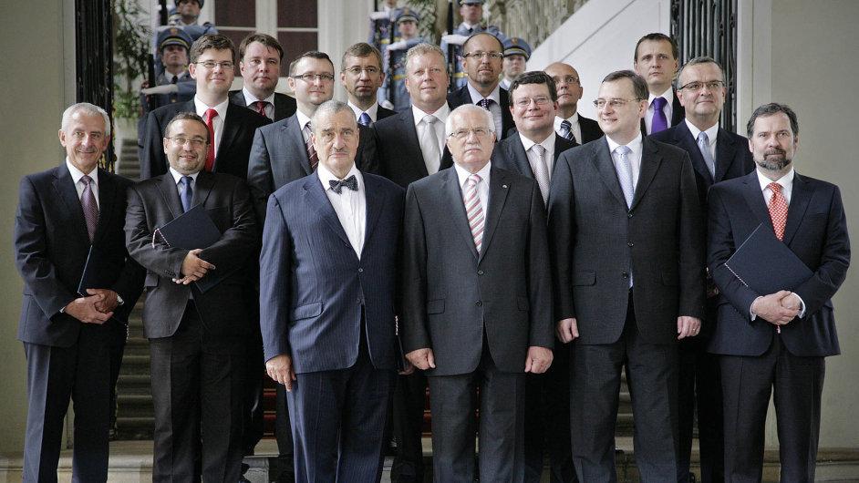 Nečasova vláda vden jmenování prezidentem Klausem včervenci 2010. Následující tři roky znamenaly pro vládnoucí ODS nejstrašnější období její historie.