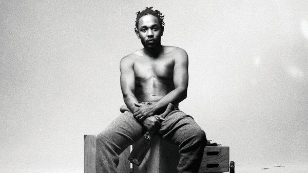 Kendrick Lamar na snímku z bookletu předchozího alba To Pimp a Butterfly.