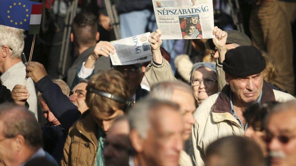 V Budapešti protestovaly tisíce lidí za svobodu tisku.