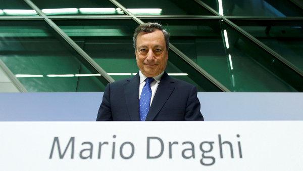Ital Mario Draghi, který vede Evropskou centrální banku, je jedním z těch, jejichž e-mailovou schránku napadli hackeři.