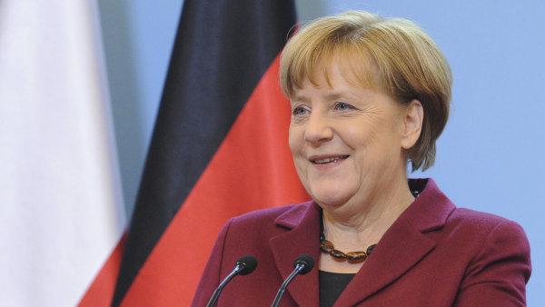 Unii CDU/CSU se v předvolebních průzkumech daří. Druhá SPD na ni ztrácí 12 procent.