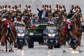Macron se stal novým prezidentem Francie. Postavím se terorismu a zastavím migrační krizi, slíbil při inauguraci