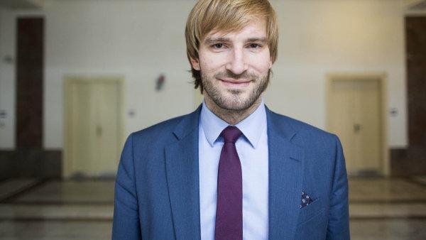 Nový ministr zdravotnictví Adam Vojtěch nechce pokutovat lékaře za nezrealizované elektronické recepty po dobu celého roku 2018.