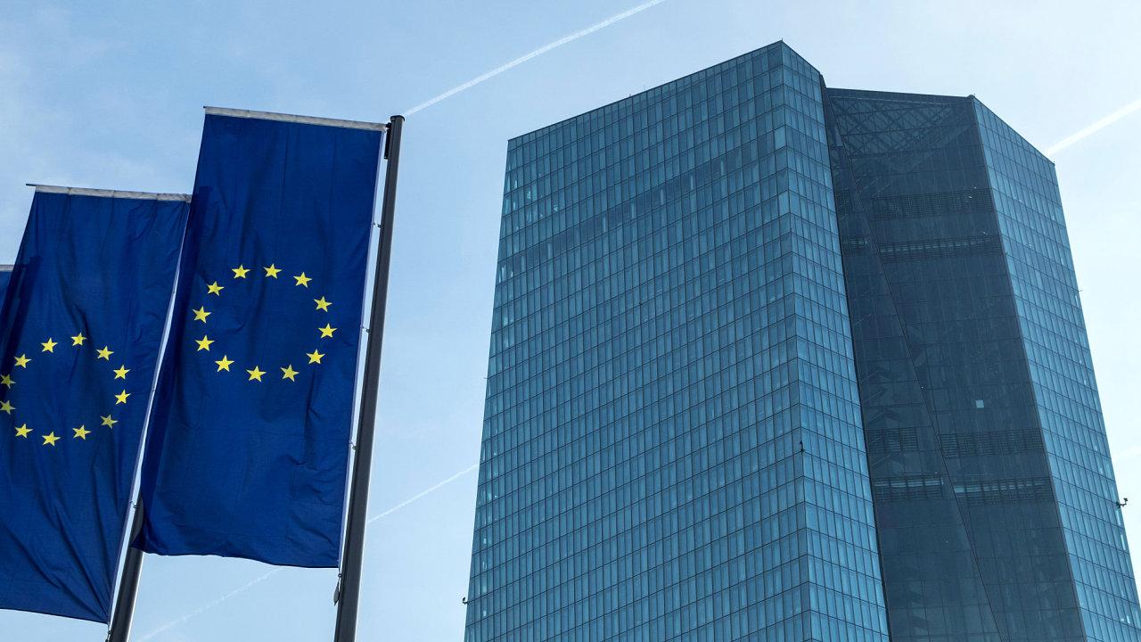 Nová budova Evropské centrální banky ve Frankfurtu nad Mohanem.