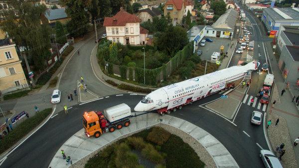 Německý specialista na přepravu těžkých a velkých nákladů Universal Transport kupuje firmu Nosreti