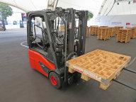 Čelní vysokozdvižný vozík Linde E 18 na World of Material Handling.