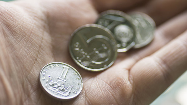 Česká ekonomika ve druhém čtvrtletí zpomalila. Růst HDP táhly hlavně výdaje domácností a investice firem
