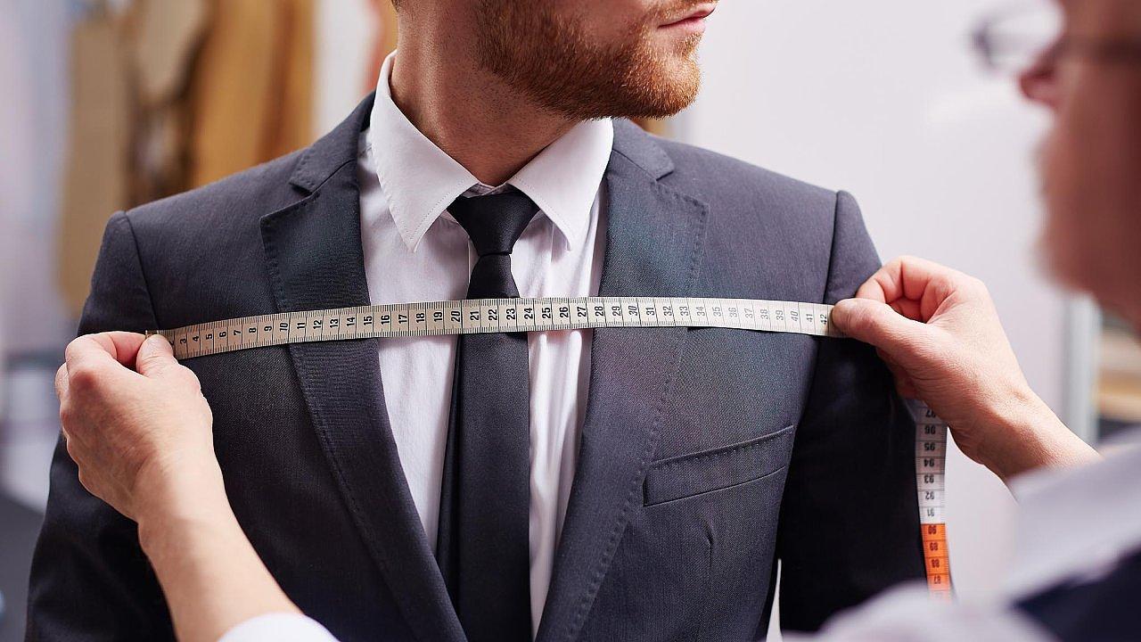 Většinu pánských obleků exportovala do zemí EU. Hlavním odběratelem její produkce byla Itálie.