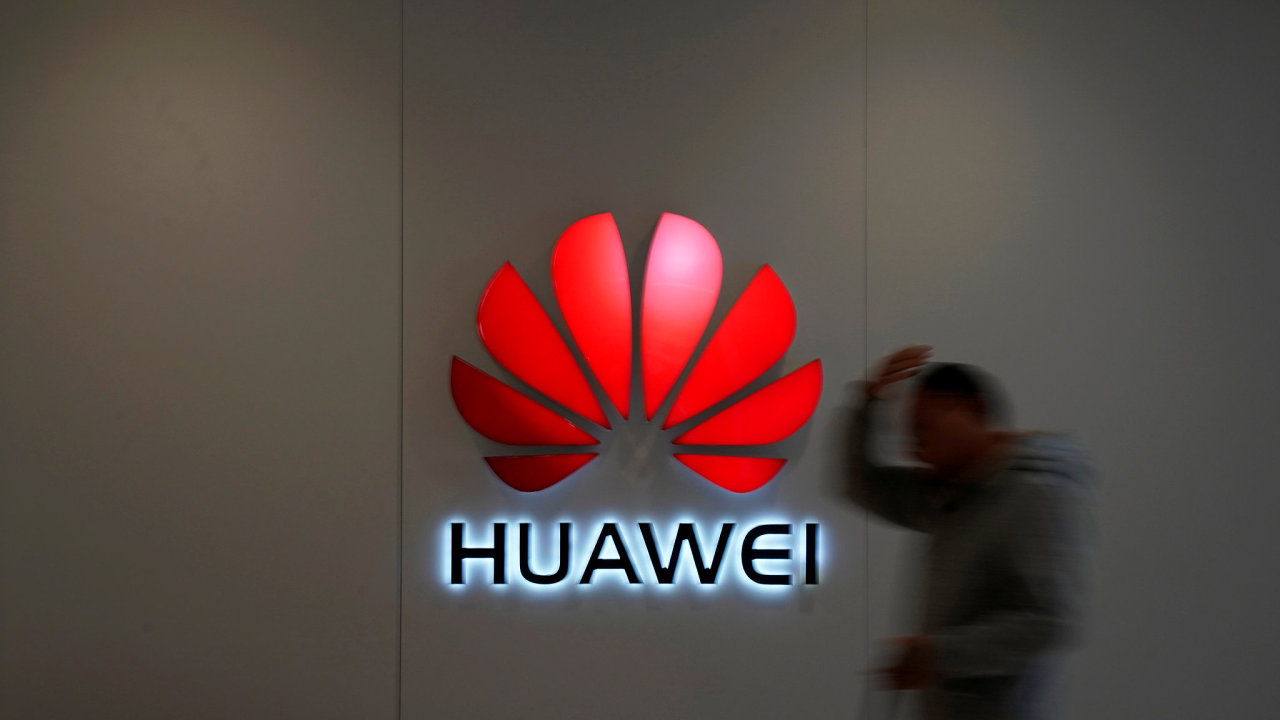 Úřad stále považuje čínskou firmu Huawei za riziko.