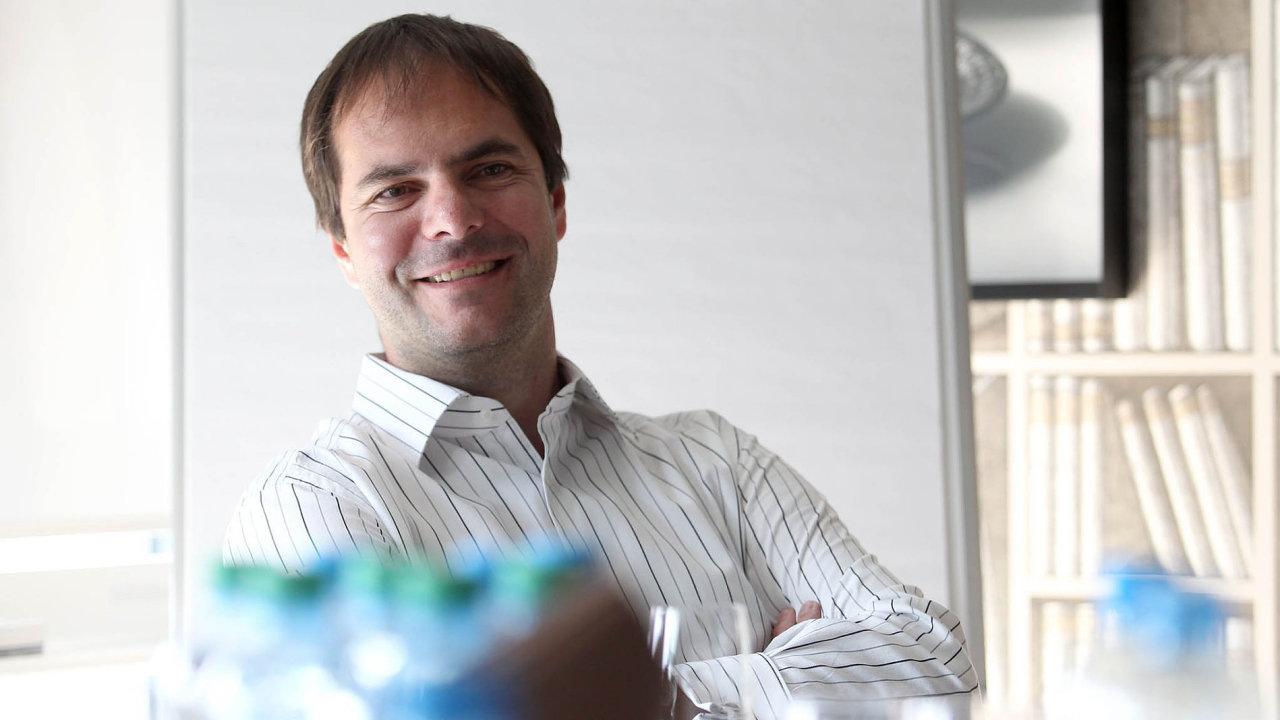Miliardáři Karel Komárek aJiří Šmejc chtějí koupit velkou německou sázkovku Tipico.
