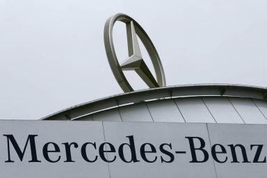Firma, která je výrobcem automobilů Mercedes, ve svém sdělení uvedla, že se odvolávat nebude.