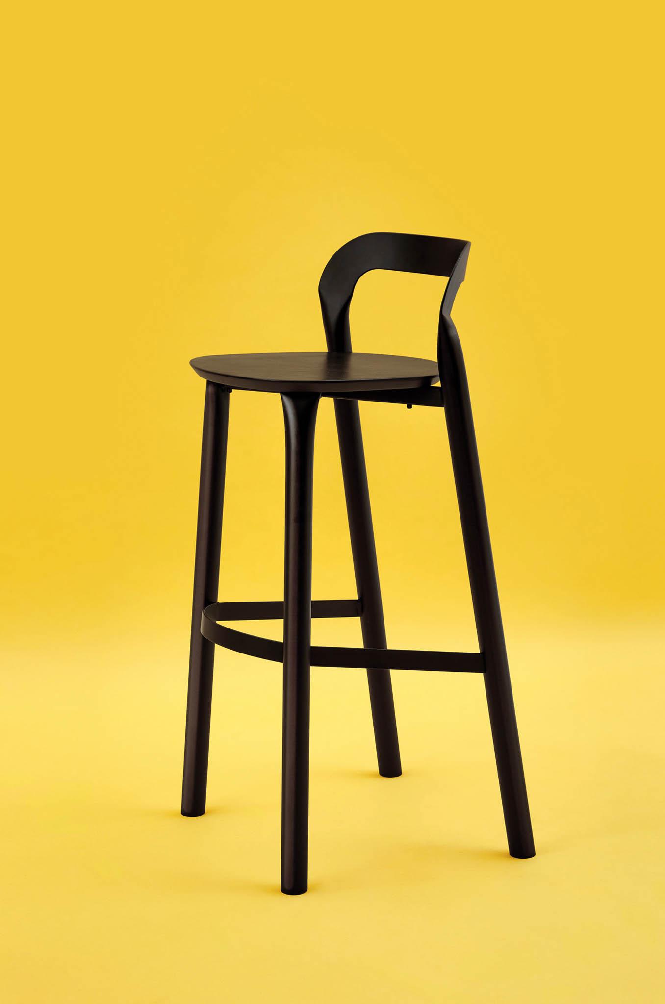 Finalisté v kategorii produktový design a móda vzešli ze sto padesáti nominovaných. Česko bude reprezentovat Adam Štok s kolekcí vytvořenou hydraulickým lisem.
