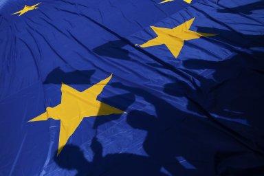Slovenští milionáři oceňují Evropskou unii více než ti čeští. Jedinou výjimkou je přejímání západních liberálních hodnot. Ty oceňuje více Čechů než Slováků.