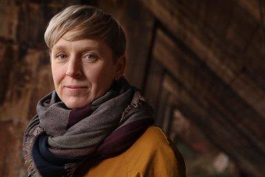 """""""Ráda točím olidech ajejich životě, sociologických jevech, způsobu života vrůzných koutech světa,"""" popisuje svou tvorbu filmařka Alice Doušová."""
