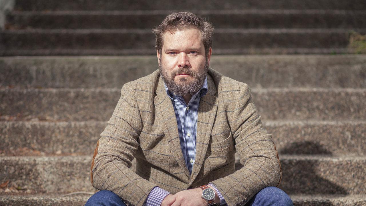 Kvůli 217 korunám exekutor letos nakonci léta zahájil sjedenačtyřicetiletým právníkem exekuční řízení. Zablokoval mu majetek za 15 milionů korun.