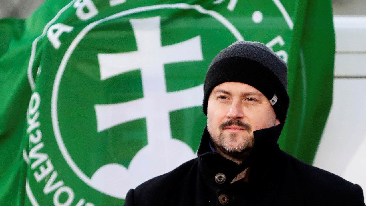 Ttřináctý důchod protlačily koaliční Směr aSlovenská národní strana zapodpory nacionalistické Lidové strany Naše Slovensko Mariana Kotleby (na snímku).