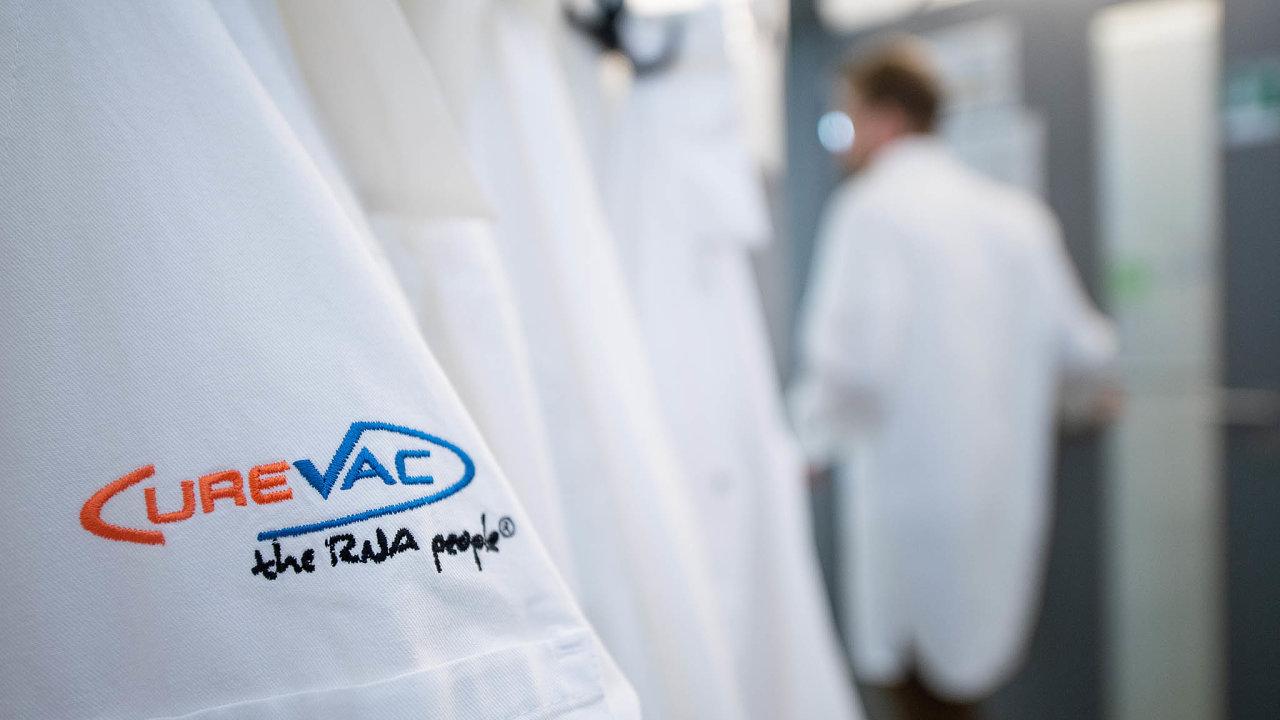 Během pandemie se objevil jeden pokus uchvátit strategickou evropskou firmu– prohlášení Donalda Trumpa, že donutí německé majitele prodat CureVac, vyvíjející jednu zeslibných vakcín nacovid-19.