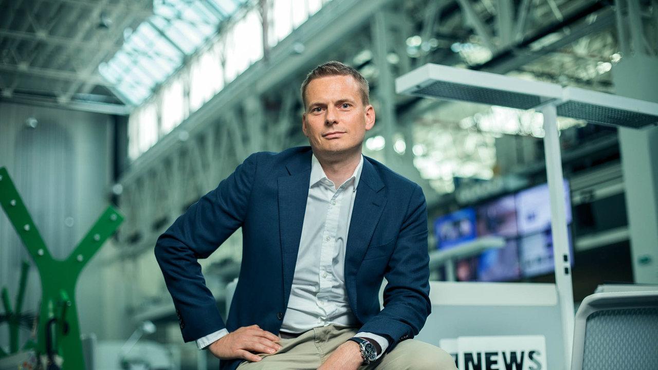 Prestižní Cenu Karla Havlíčka Borovského získal při jubilejním udílení novinářských cen redaktor Hospodářských novin Ondřej Houska.