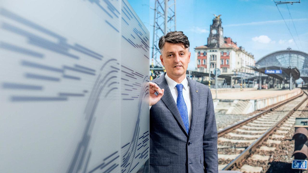 Jezdíme pomalu. Šéf Správy železnic Jiří Svoboda chce vpříštích letech českou železnici hlavně zrychlit.