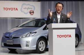 Mezi deset nejcennějších značek světa patří i dvě automobilky. Applu dělá společnost Toyota a Mercedes-Benz