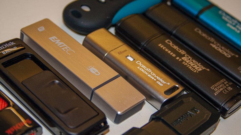 Flash disky s podporou šifrování