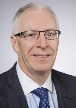 Denis Cashman, finanční ředitel společnosti EMC Information Infrastructure