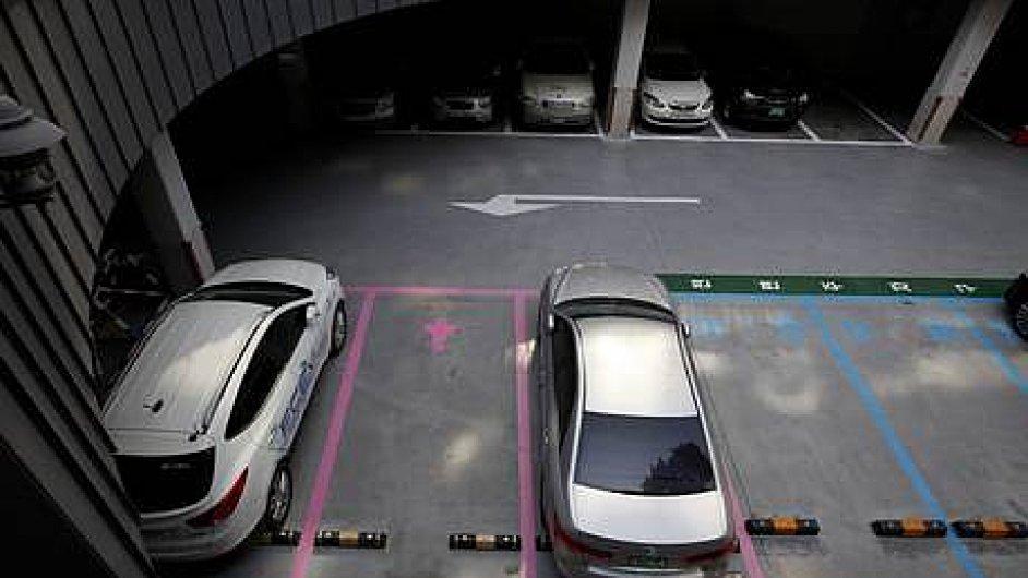 Jižní Korea zavádí parkování pro ženy.