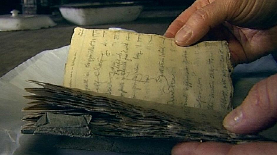 Deník George Murraye Levicka, který se objevil v Antarktidě po více než sto letech od expedice.