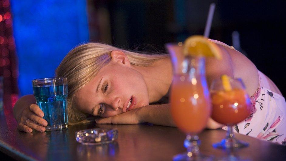 Melanin a alkohol - ilustrační foto