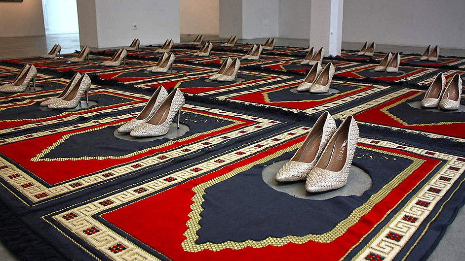 Koberečky umělkyně Zoulikhy Bouabdellahové byly vystaveny v Berlíně i v Madridu.