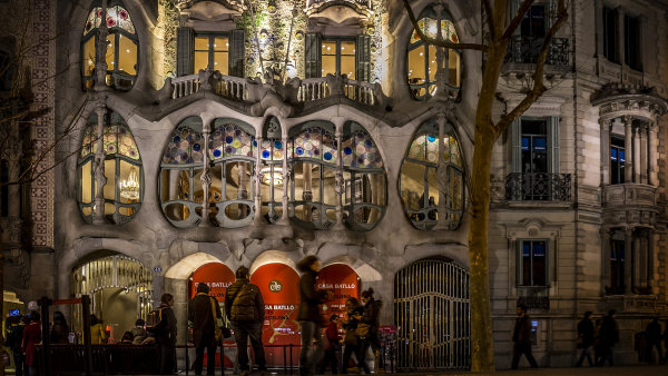 Tapas, Gaud�, pl� i n�v�t�va u Katal�nky. Pro�ijte Barcelonu jako m�stn�