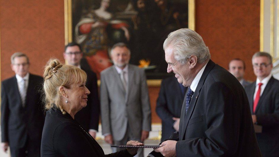 Prezident Miloš Zeman jmenoval Ivanu Janů novou předsedkyní Úřadu pro ochranu osobních údajů.